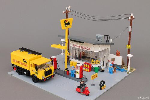 Norton74氏のレゴ作品